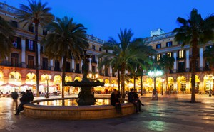 image of Placa Reial by night in Barcelona