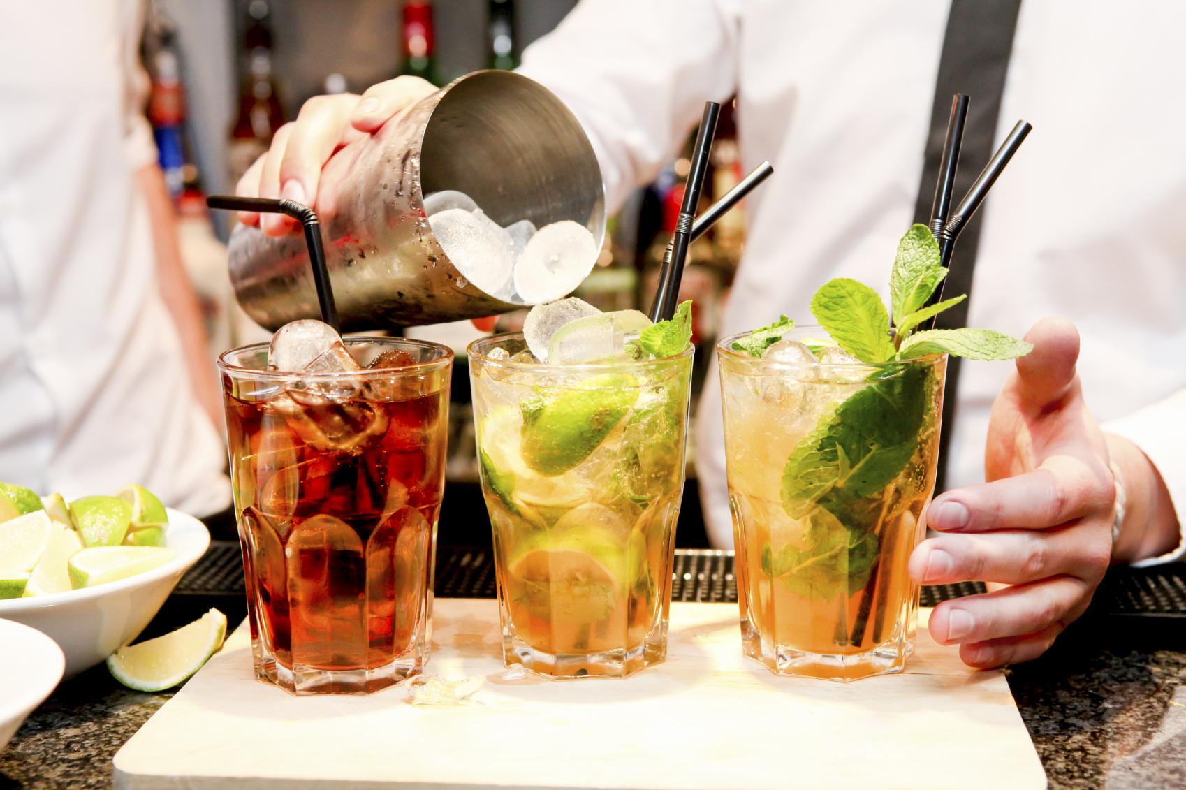 Leckere Cocktails in der Bar