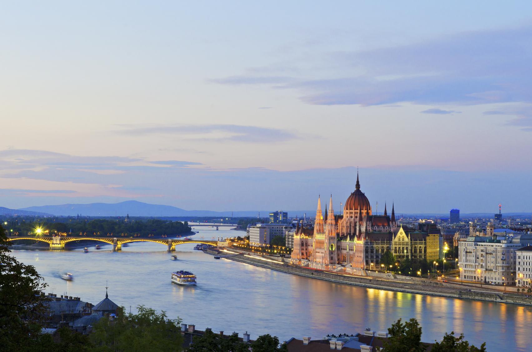 Erlebt bei eurem Junggesellinnenabschied Budapest von seiner schönsten Seite.